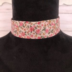 Jewelry - Pink Floral Choker